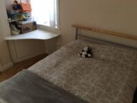 Double bedroom with own bathroom in High Barnet