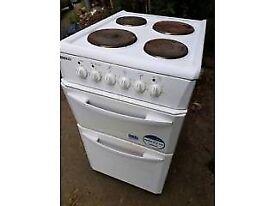 White Beko freestanding cooker