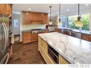 Beautifully Renovated Ardmore Home