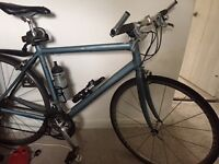 "cannondale 600 hybrid carbon road bike 21"" from centre of pedal to seat post entry, 27 gears"