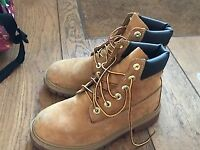 Girls Camel Timberland boots nearly new size 3.5