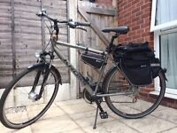 Male bike in an excellent condition + back bags+ child seat