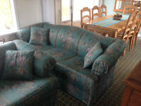 Couch and matching love seat set.