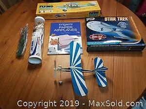 Airplanes Lot