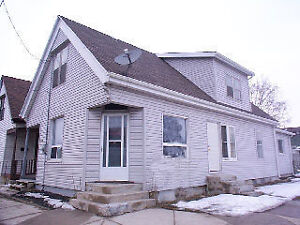 Duplex investment opportunity!