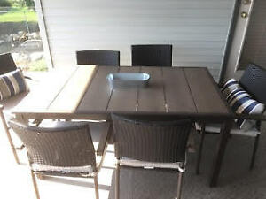 Patio set w/6 chairs and cushions