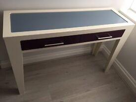 Narrow display table