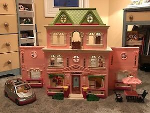 Loving family doll house (fisher price)