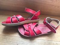 Sun-san saltwater sandals nearly new size 13