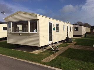 Popular Berth Caravan For Hire  Seaside Location At West Wittering