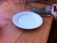 small white (cake) plates