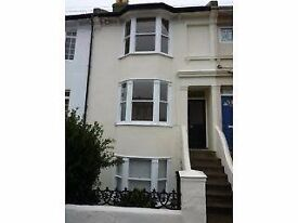 Double room available for rent in hove, would suit young professional