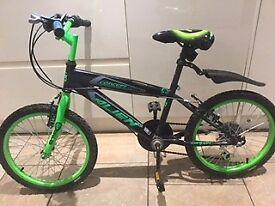 Boy's modern bike - ideal age 6-9