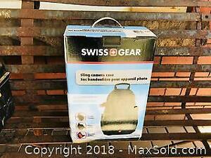 Swiss Gear Sling Camera Case Knapsack Bag