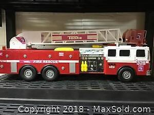 Huge Tonka Firetruck with 3 different sirens