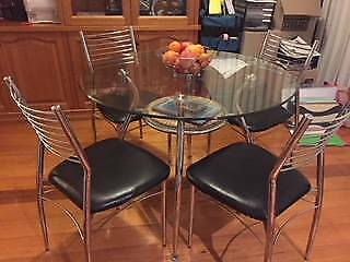 Dining Setting with 4 chairs