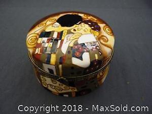 """Ceramic Dresser Box After Gustav Klimt's """"The Kiss"""" -B"""