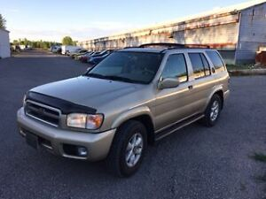 2000 Nissan Pathfinder LE SUV, Crossover