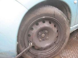 berlingo partner wheel with tyre Breaking for parts in GATWICK