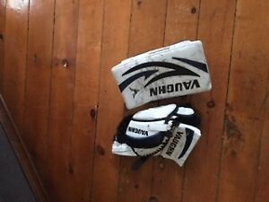 VAUGHAN BLOCKER AND GLOVE INTERMEDIATE $60 BO