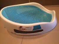 Angel care bath seat in EXCELLENT condition