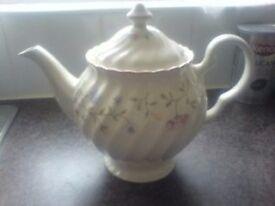 Summer Chintz Teapot and milk/cream jug