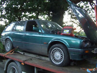 BMW e30 touring 318 320 325 DOOR Breaking for parts .