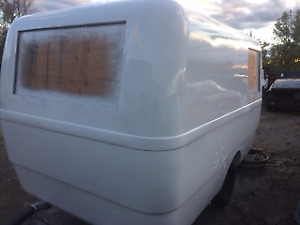 TRILLIUM & MOTORHOME  FIBERGLASS REPAIR AND PAINTING