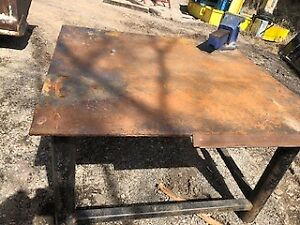 "4' X 4' Welding Table C/W 6"" Vice"