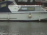 Boat cruiser 23 ft seamaster