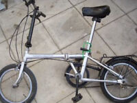 fully working nice lady and gent man bike, ANY PARTS 10 POUNDS SUCH AS SEATS BABY BIKE,