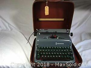 Vintage Commodore Typewriter With Case