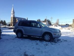 2003 Nissan X-trail silver SUV, Crossover parts or repair