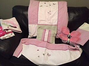 Baby girl crib bedding set