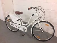 Ladies Electra Amsterdam bike. Very good condition. 3 years old. Price new was over £800.