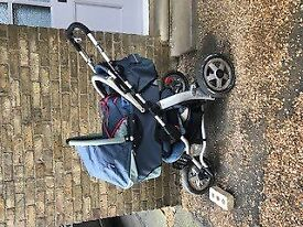 Quinny three wheel buggy with carrycot (FREE)