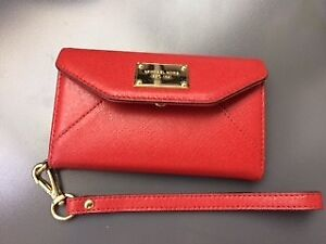 MICHAEL KORS RED SAFFIANO LEATHER IPHONE WRISTLET