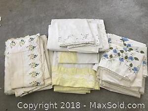 3 top sheets Yellow Flowers 2 pillow cases Twin Pickup B