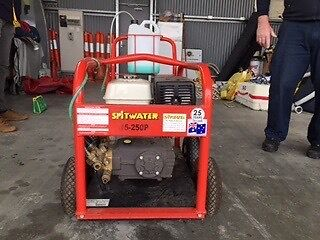 Spit water petrol powered pressure cleaner Vermont South Whitehorse Area Preview