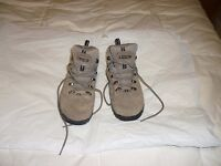 Ladies Waterproof Walking Boots Size 4