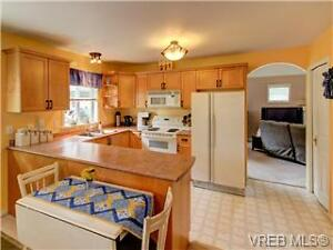 Complete Kitchen  Perfect for Suite or Cabin