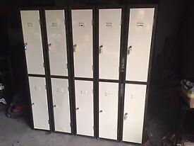 Lockers 30 cm x 170 cm (5 available)