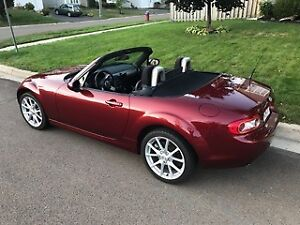 2010 Mazda MX-5 Miata GX Coupe (2 door)