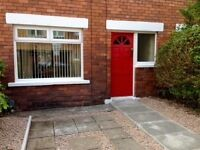 Ormeau Rd. 2 Bedroom House to Let - Elgin St. Very good condition. Suited to professionals.