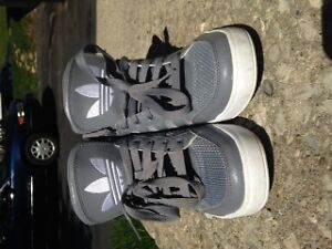 Mens Size 7 Adidas Running Shoes