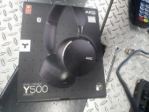 AKG MODEL Y500 WIRELESS