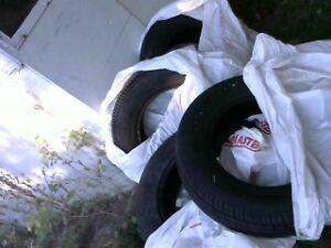 4 tires used Dodge Neon SX 2.0 Very good condition all season Kingston Kingston Area image 2
