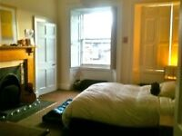 Spacious well equipped comfy 4 bedroom flat near Old Town. Various dates from £380 per week!