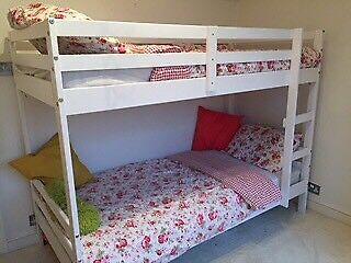 Single double bunk beds