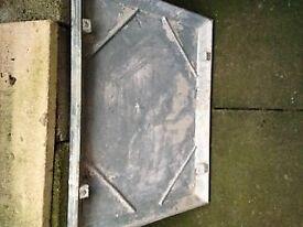 Manhole lid